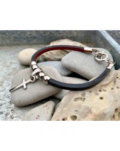 Armband - svart läder med kors